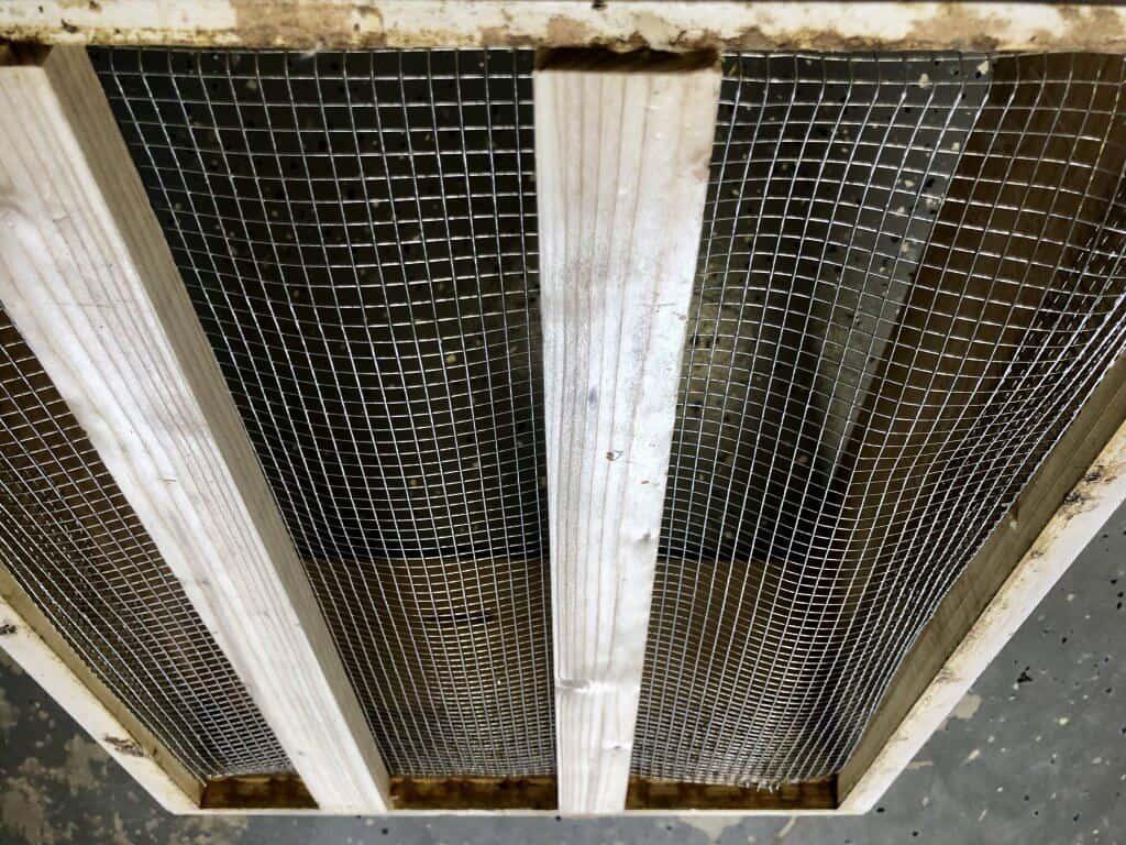 DIY Bee Hive Green Roof 17